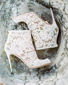 👠 #عرس #زفاف  #weddingdress #weddingfashion #brideshoes #weddingshoes #fashion #instafashion #fashionista #fashionable #weddingdecor…