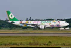 EVA Airways (TW) Airbus A330-203 B-16309 aircraft, painted in ''Hello Kitty Speed Puff'' special colours, skating at Taiwan Taipei Taoyuan International Airport. 22/09/2012.
