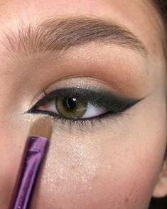 Smokey Eye Makeup Tutorial, Eye Makeup Steps, Eye Makeup Art, Eyeshadow Makeup, Hair Makeup, Makeup Eyebrows, Eyebrow Makeup, Eye Liner Tips, Natural Eyeliner Tutorial