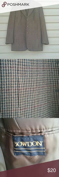 Bowdon blazer Stunning blazer by Bowdon excellent condition Neck to shoulder  7 in. Arm is 25 in. Length is 32 waist 40 Bowdon Jackets & Coats Blazers