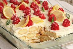 Authentic Greek Moussaka | ArmGusto Köstliche Desserts, Italian Desserts, Italian Recipes, Delicious Desserts, Dessert Recipes, Yummy Food, Italian Pastries, Italian Cookies, Lemon Desserts