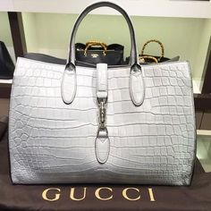 Perfect Gucci handbag. | www.bocadolmobo.com/ #luxurybrands #luxurylifestyle #exclusive