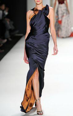 Carolina Herrera RTW Fall 2014 - Slideshow - Runway, Fashion Week, Fashion Shows. Couture Fashion, Runway Fashion, High Fashion, Womens Fashion, Fall Fashion, Fashion Tips, Outfit Formal Mujer, Beautiful Gowns, Beautiful Outfits