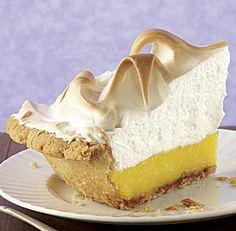 Lemon Meringue Pie- Fine Cooking, didn't use their meringue recipe. Pie was really delish and will make again. Lemon Desserts, Köstliche Desserts, Delicious Desserts, Dessert Recipes, Yummy Food, Pudding Desserts, Pie Dessert, Lemon Meringue Pie, Pie Recipes