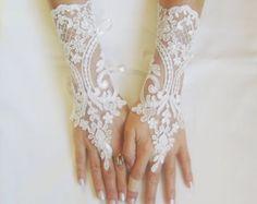 Weiche blass rosa Hochzeit Handschuhe Spitze von GlovesByJana