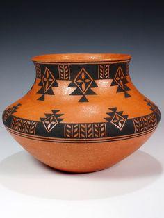 Santo Domingo Hand Coiled Pottery by Mark Wayne Garcia – Art – Art is my life. Worli Painting, Bottle Painting, Bottle Art, Ceramic Pottery, Pottery Art, Ceramic Art, Coiled Pottery, Pottery Painting Designs, Pottery Designs