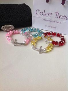 pulseras cruces en strass y muranos checos diseño de color beads.