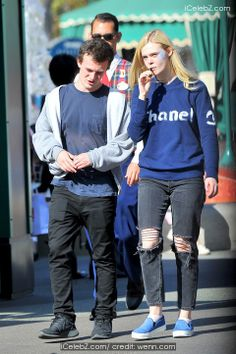 Elle Fanning Elle Fanning celebrates her 16th birthday at Disneyland with her boyfriend http://www.icelebz.com/events/elle_fanning_celebrates_her_16th_birthday_at_disneyland_with_her_boyfriend/photo1.html