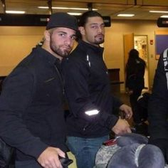 @wweromanreigns and #sethrollins look so hot