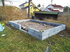 Växthus av gamla fönster Aquaponics, Garden, Outdoor Decor, Inspiration, Home Decor, Haus, Biblical Inspiration, Garten, Lawn And Garden