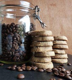 koffieextract op basis van alcohol om bv toe te voegen aan koekjes, cake, ...