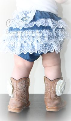 This adorable denim diaper cover features the sweetest lace ruffles, perfect for your country princess!Denim Diaper Covers are great for parties, photos, dress-