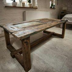 Oryginalny stół mający swoją historię