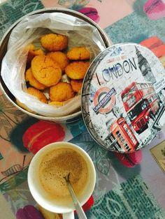 Biscotti e cappuccino ☕ breakfast cookies coffee