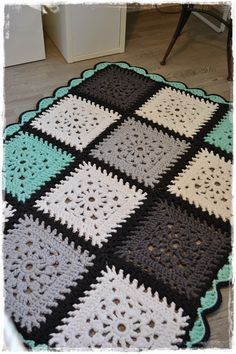 Kuvahaun tulos haulle trikookude matto lime virkattu suorakaide Knitting Patterns Free, Free Knitting, Crochet Patterns, Manta Crochet, Diy Crochet, Crochet Squares, Handmade Rugs, Crochet Projects, Diy Crafts