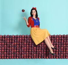 This online store is a DisneyBounder's dream come true | Unique Vintage | Snow White fashion | [ https://style.disney.com/shopping/2016/07/15/unique-vintage-disneybound/ ]
