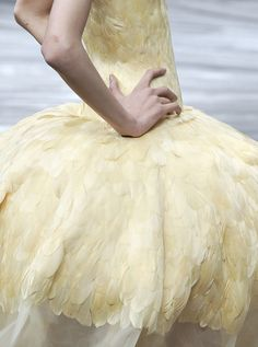 dusty blue and yellow Alexander McQueen pale yellow feather dress is the prettiest dress to hit the fashion industry. Alexander Mcqueen, Yellow Feathers, Collor, Feather Dress, Shades Of Yellow, Mellow Yellow, Color Yellow, Bright Yellow, Dusty Blue