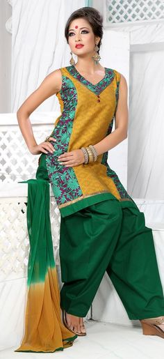 55.72 Green Sleeveless Cotton Short Punjabi Salwar Kameez 18698