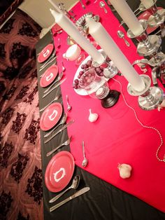 Vampire party table decoration DIY