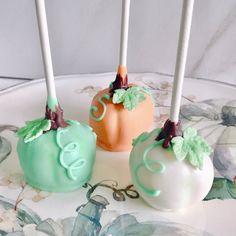 Pumpkin Cake Pops Pumpkin Cake Pops, Halloween Cake Pops, Desserts, Food, Tailgate Desserts, Dessert, Postres, Deserts, Meals