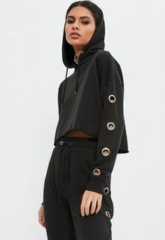 Get the grunge look and nail off duty vibes in this eyelet detail hoodie in a killer cropped style. Wwe Outfits, Sport Outfits, Fashion Outfits, Fast Fashion, Girl Fashion, Womens Fashion, Kleidung Design, Grunge Look, Kurta Designs