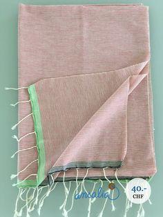 """Ein leichtes, modisches Pareo für Ihre Strandferien oder den Badi-Besuch, kann auch als Strandtuch verwendet werden. Gesehen bei""""Fouta""""."""