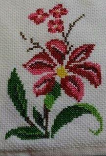 Barbara R.'s media analytics. Cross Stitch Borders, Cross Stitch Rose, Cross Stitch Flowers, Cross Stitch Designs, Cross Stitching, Cross Stitch Embroidery, Embroidery Patterns, Hand Embroidery, Cross Stitch Patterns
