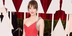How to master It girl Dakota Johnson's makeup from the Oscars 2015.