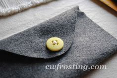 "No-Sew ""buttoned"" felt envelope #DIY #Craft"