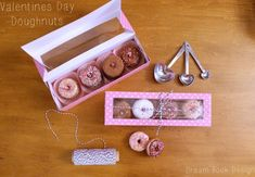 Tutorials Archives - Page 6 of 16 - Dream Book Design Dessert Packaging, Craft Packaging, Cupcake Packaging, Doughnut Shop, Donut Bar, Mini Donuts, Donuts Donuts, Donuts Simpsons, Donuts Tumblr