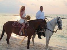 Amber and Jeronimo, sunset photo shoot on horseback. #Mexico #destiantionwedding