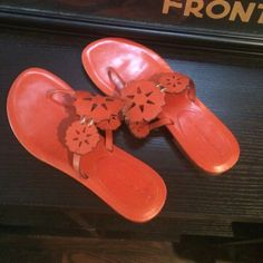 Sandals Worn once! Excellent condition cute orange Vera Wang sandals Vera Wang Shoes Sandals