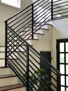 Our Finished Staircase with Horizontal Stair Railing! - Daly Digs - New Ideas Black Stair Railing, Black Stairs, Stair Railing Design, Steel Railing, Steel Stairs, Metal Railings, Stair Handrail, Staircase Railings, Railing Ideas