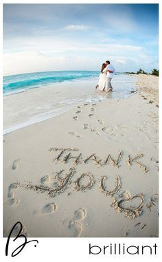 Related posts: 20 Stunning Beach Wedding Reception Ideas for Summer 2019 30 Wedding Ceremony Decorations Ideas Gorgeous New York Wedding with Classic Style 35 Stunning Eucalyptus Wedding Decor Ideas Wedding Fotos, Beach Wedding Photos, Beach Wedding Photography, Hawaii Wedding, Wedding Pictures, Destination Wedding, Funny Couple Photography, Beach Wedding Signs, Beach Weddings