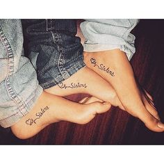 Best sister matching tattoo designs and ideas which are meaningful. Sibling tattoos designs and ideas, Small sister tattoos and ideas, unique tattoo ideas, Bff Tattoos, Sibling Tattoos, Neue Tattoos, Family Tattoos, Trendy Tattoos, Body Art Tattoos, Tattos, Wrist Tattoos, Twin Tattoos
