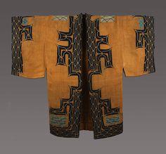 Man's Robe Ainu people, Hokkaido, Japan century Attush (inner bark from an elm tree) with cotton Japanese Textiles, Japanese Kimono, Japanese Art, Japanese Design, Ainu People, Folklore, Men's Robes, Kimono Design, Art Japonais