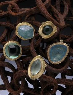 HUGHES-BOSCA 18K GOLD JEWELRY - Rings