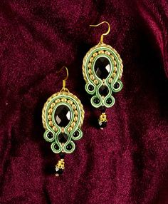 Hey, I found this really awesome Etsy listing at http://www.etsy.com/pt/listing/151693696/soutache-baroque-bead-embroidered
