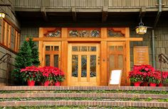 Gamble House by Hollywood History Tours, via Flickr