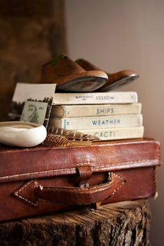 Brabourne Farm: Love .... (More) Old Suitcases