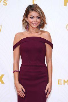 sarah hyland short hair | Sarah Hyland – 2015 Primetime Emmy Awards in Los Angeles