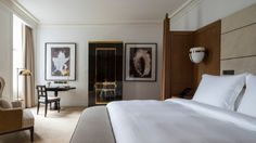 Four Seasons Hotel London at Ten Trinity Square offers 100 luxury rooms and suites, each blending chic modern design with original architectural details.