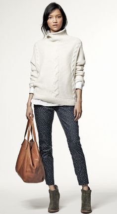Beautiful cream sweater. (Gap Holiday Collection 2012)