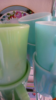 vintage mugs.  wow...I remember these...Mama had some green ones.