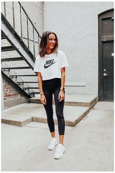 Cute Sporty Outfits, Tennis Outfits, Tennis Clothes, Sporty Chic, Athletic Clothes, Athletic Style, Women's Athletic Outfits, Athletic Fashion, Casual Clothes
