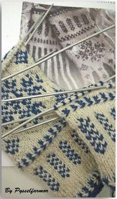 Gloves, Socks, Blanket, Knitting, Crochet, Inspiration, Fingerless Gloves, Tricot, Knit Patterns