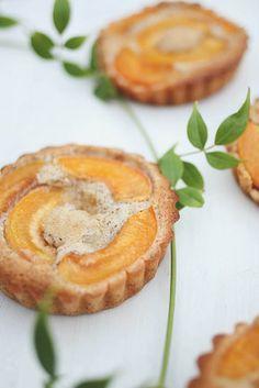 Sugared apricot financiers