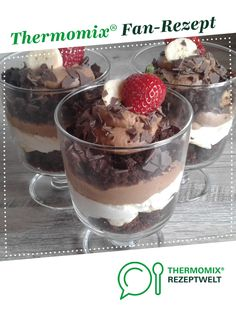 Schoko-Dessert im Glas Chocolate dessert in glass by A Thermomix ® recipe from the Desserts category www.de, the Thermomix® Community. Superbowl Desserts, Potluck Desserts, Spring Desserts, French Desserts, Pudding Desserts, Cute Desserts, Chocolate Desserts, Dessert Recipes, Desserts In A Glass