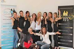 Gruppenfoto beim modelschool Workshop - Laufstegtraining mit Doris Grausam Workshop, Models, Marketing, Alice In Wonderland, Training, Movie Posters, Pictures, Templates, Atelier