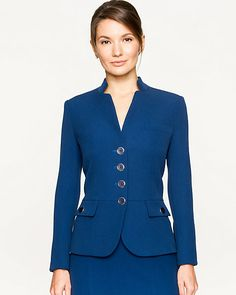 Double Weave Collarless Blazer - Donned by Lauren Holly's character in the movie After the Ball, this double weave blazer is part of the ideal power-ensemble. Rock Chic, Casual Skirt Outfits, Classy Outfits, Blazer Fashion, Fashion Wear, Office Fashion, Work Fashion, Suits For Women, Clothes For Women